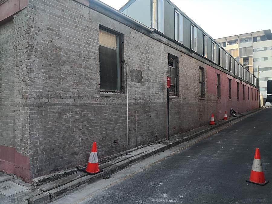 Cleaning external brickwork