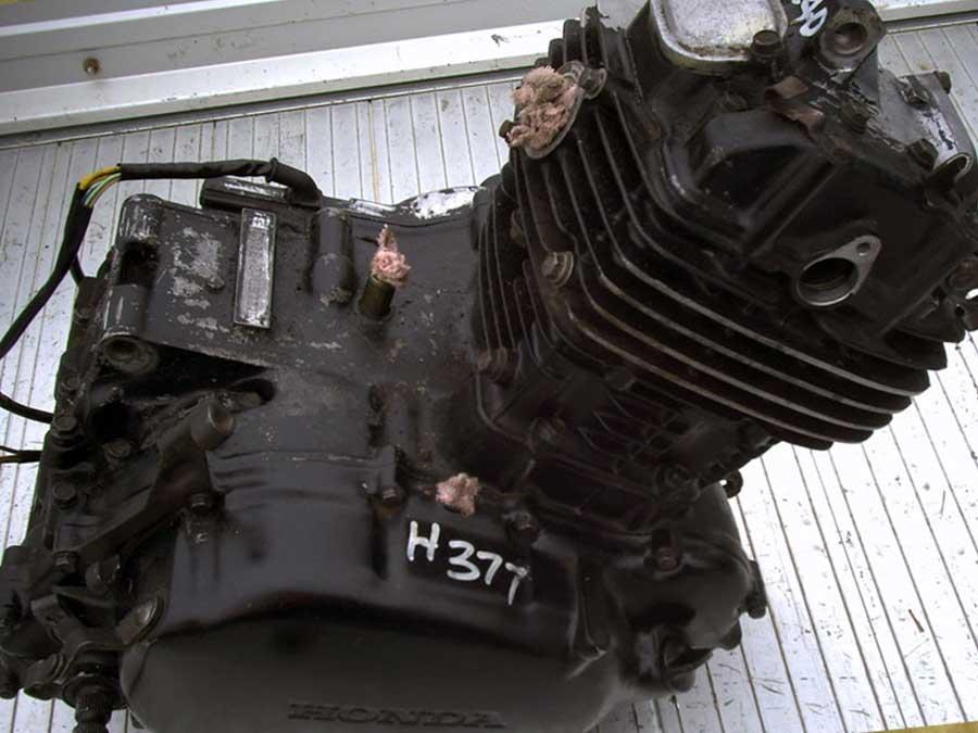 honda-cb250-engine-before